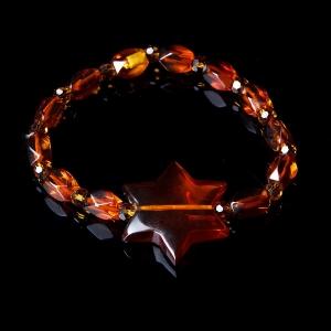 Точённый браслет из коньячного янтаря