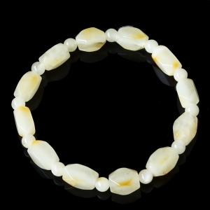 Янтарный  браслет из белого янтаря