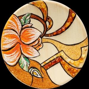Янтарная тарелка цветы. Размер янтарной тарелки 18,5 см. Доступная цена тарелки из янтаря 1000 грн.