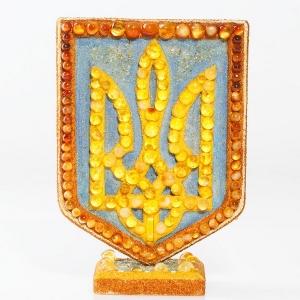 Настольный сувенир из янтаря. Герб Украины на подарок.