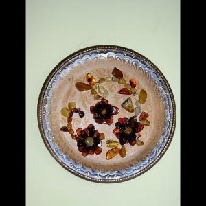 Фото сувенирной тарелки из янтаря