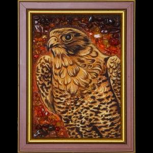 Картина из янтаря сокол