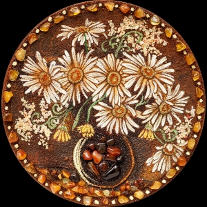 Картина натюрморт с ромашками из янтаря