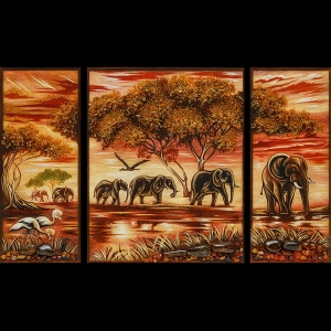 Картина из янтаря из трёх частей Слоны саванны в панораме