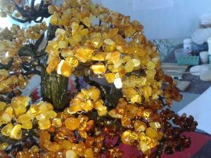Денежное дерево из янтаря