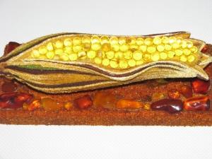 Сувенир кукуруза из янтаря