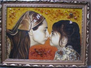 Изготовление портретов из янтаря по фото. Портрет матери и ребенка