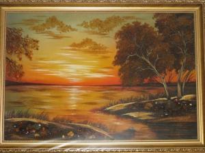 Пейзаж. Картина из янтаря - закат на реке