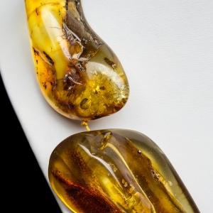 Крупные бусы из янтаря