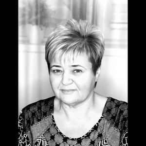 Фотография женщины для изготовления янтарного портрета.