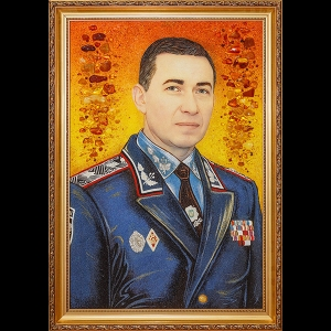 Портрет генерала из янтаря