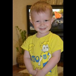 Фото ребёнка для изготовления портрета из янтаря