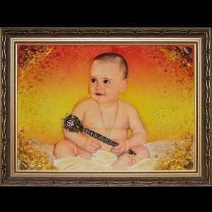 Фото янтарного портрета. Размер детского портрета из янтаря - 60 х 80 см. Цена янтарного портрета ребёнка - 15 тыс. грн.