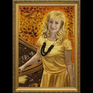 Портрет женщины из янтаря