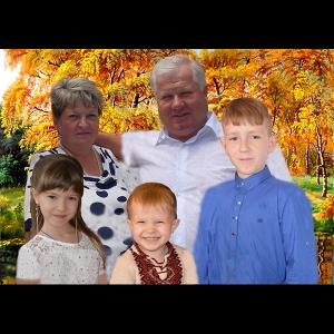 Семейное фото для изготовления портрета из янтаря большого размера